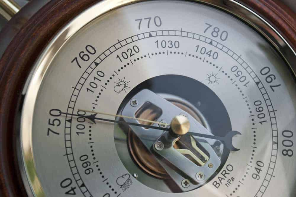 how does barometric pressure affect fishing